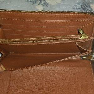 Louis Vuitton Bags - Handbag